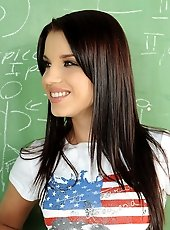 Hot brunette in a DP action in a highschool room