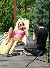 Hot threesome shooting with Sophie at the poolside